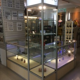 Combination of showcases in showroom